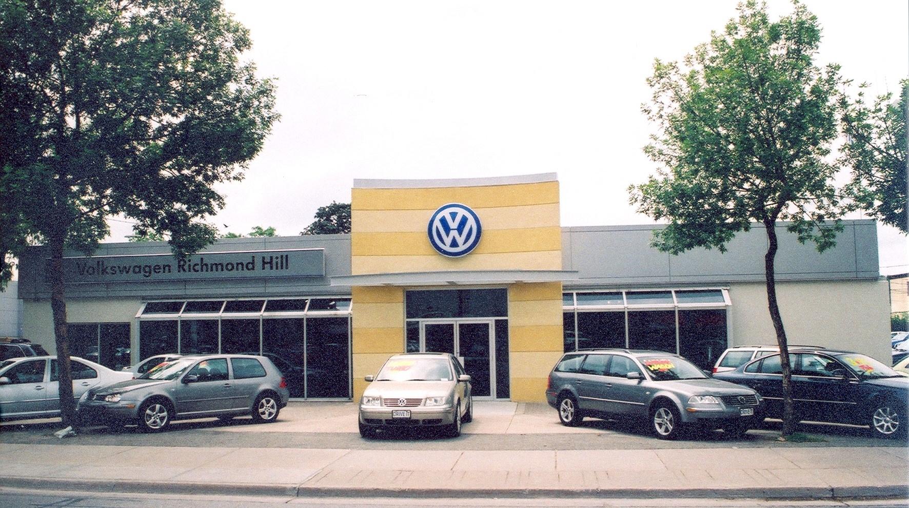 https://0901.nccdn.net/4_2/000/000/076/de9/car-dealership-pic-1772x990.jpg