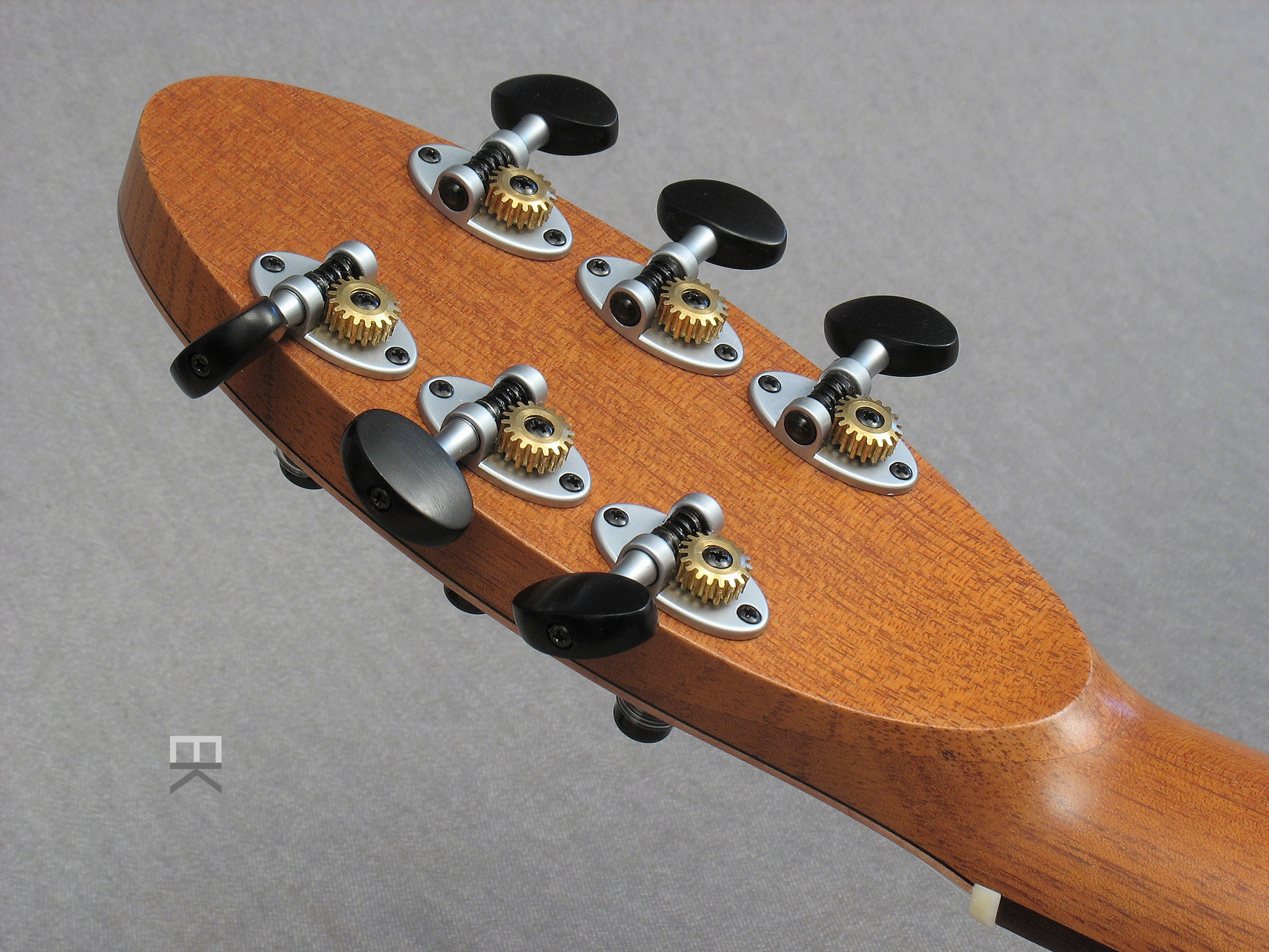 Schertler tuning machines from Switzerland