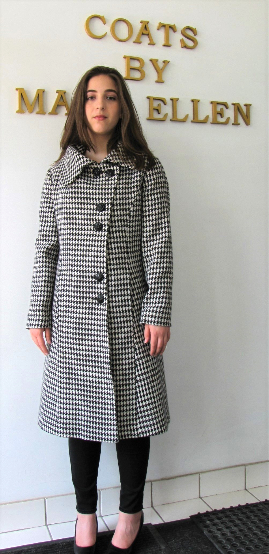 Style #B6292 Houndstooth Pattern 100% Pure Virgin Wool   Features:  Exquisite modern styling. This style is contour fitting to hug  your shape.   Single breasted, buttons are uniquely staggered in pairs.  Slit pockets on the seam. Fully chamois lined.   Extra buttons included.  In-stock Colours:  Black/White Houndstooth.   or can be custom made in the colour of your choice.  Various Fabric: 100% Pure Virgin Wool or can be custom made  in the fabric of your choice.  Sizes:  S,M,L  $ 449 and up.