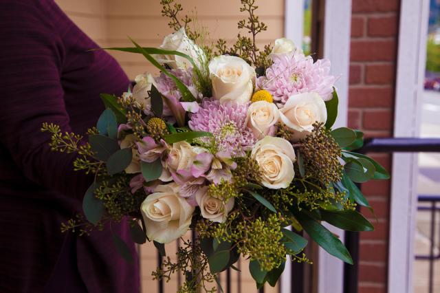 https://0901.nccdn.net/4_2/000/000/078/264/port-alberni-wedding-florist-1202.jpg
