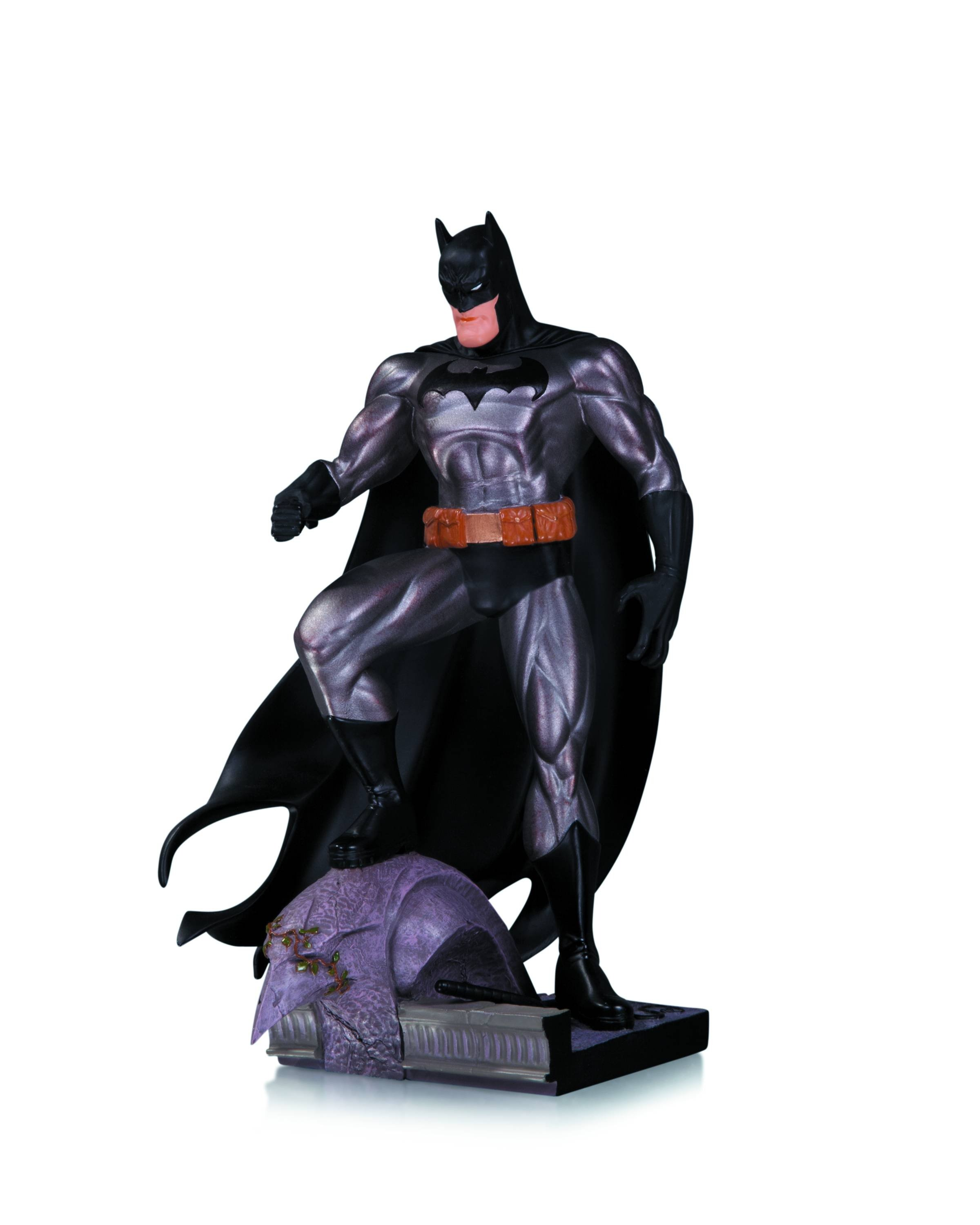https://0901.nccdn.net/4_2/000/000/079/c81/BATMAN-METALLIC-MINI-STATUE-BY-JIM-LEE-2400x3000.jpg