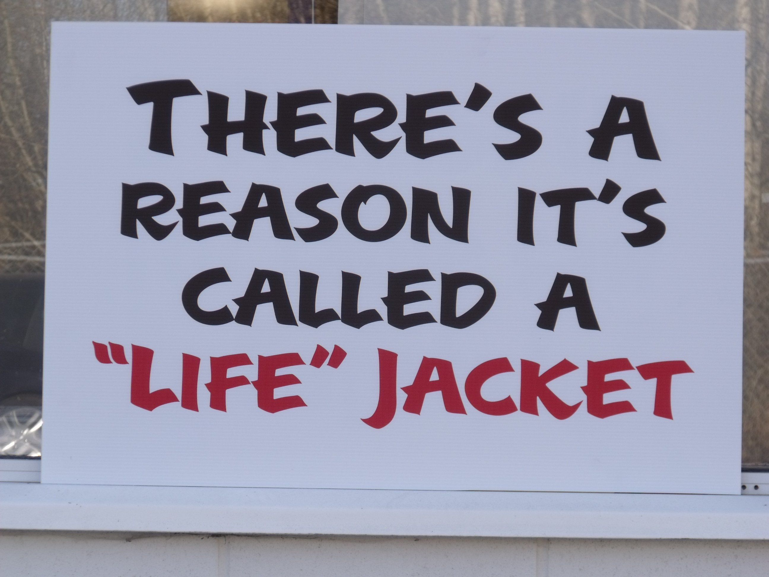 https://0901.nccdn.net/4_2/000/000/079/c81/lifejacket.jpg