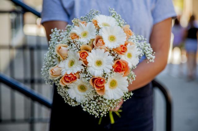 https://0901.nccdn.net/4_2/000/000/07a/dbb/0w_wedding_flowers_port_alberni-3667.jpg