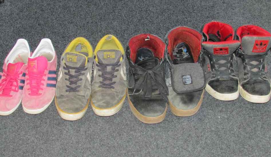 À qui les chaussures???