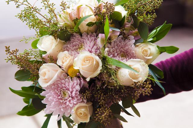 https://0901.nccdn.net/4_2/000/000/07a/dbb/port-alberni-wedding-florist-1200.jpg