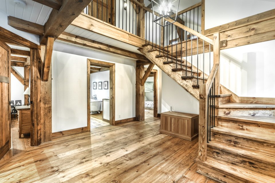 https://0901.nccdn.net/4_2/000/000/07a/dbb/timber-frame-interior_724.jpg