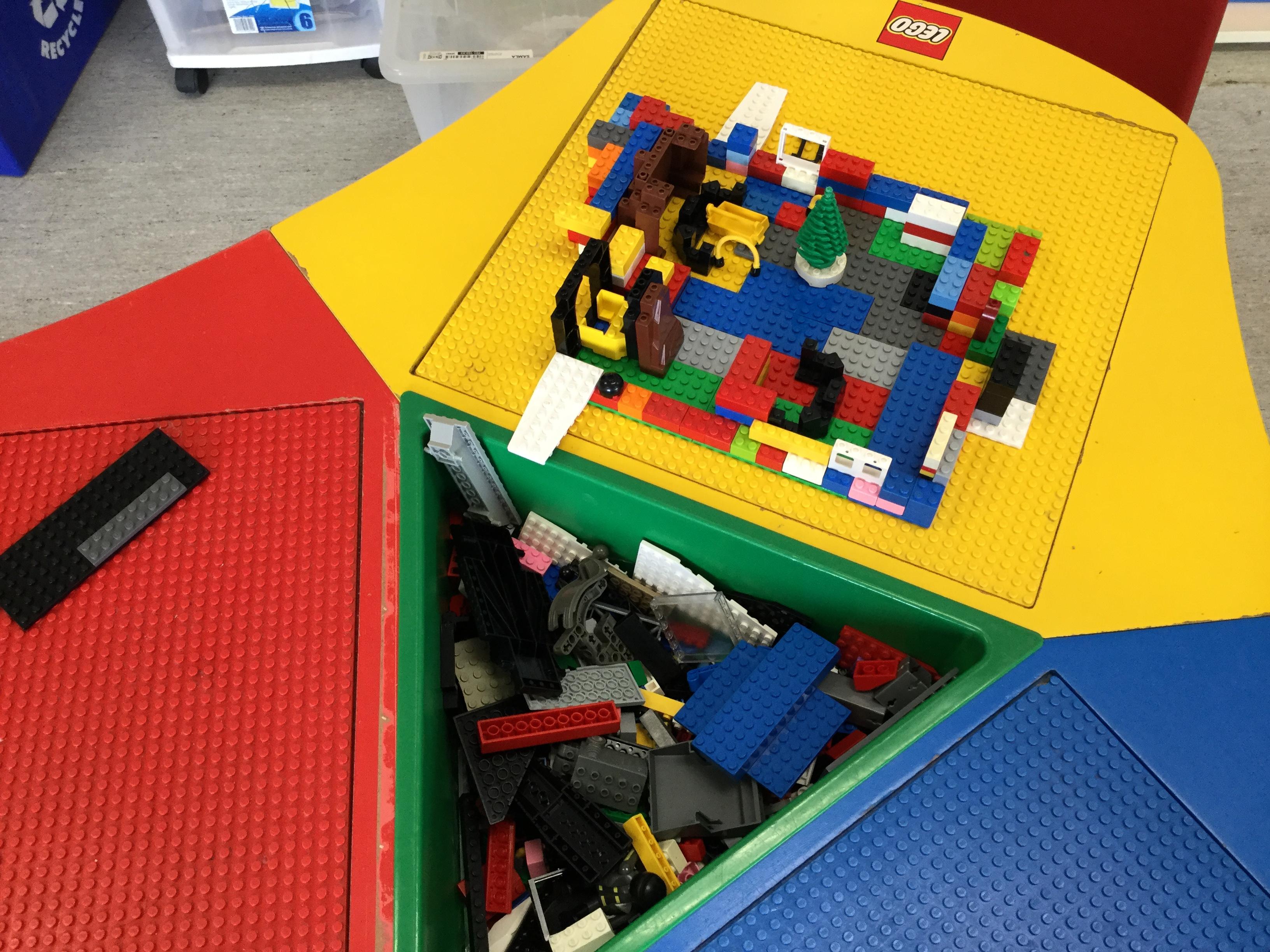 Yellow Room - Lego Fun