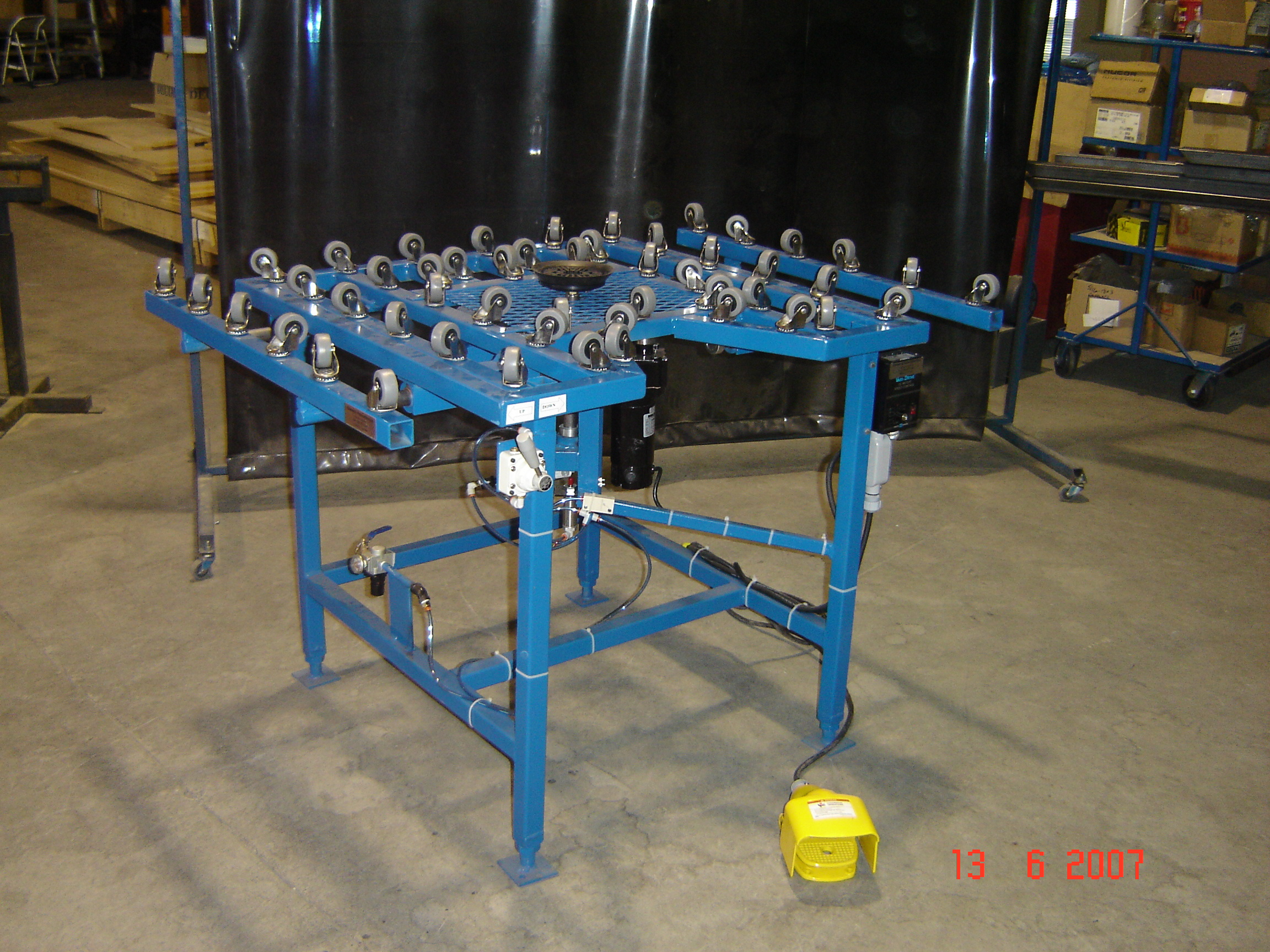 Sealing Table
