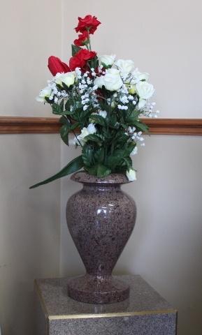 https://0901.nccdn.net/4_2/000/000/081/4ce/vase-1-289x480.jpg