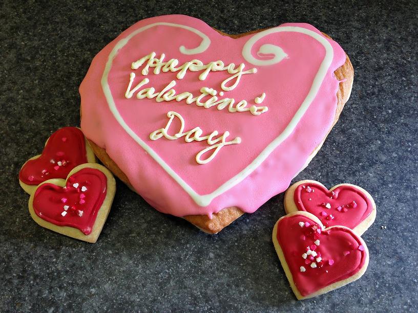 https://0901.nccdn.net/4_2/000/000/082/8ea/large-heart-donuts.jpg