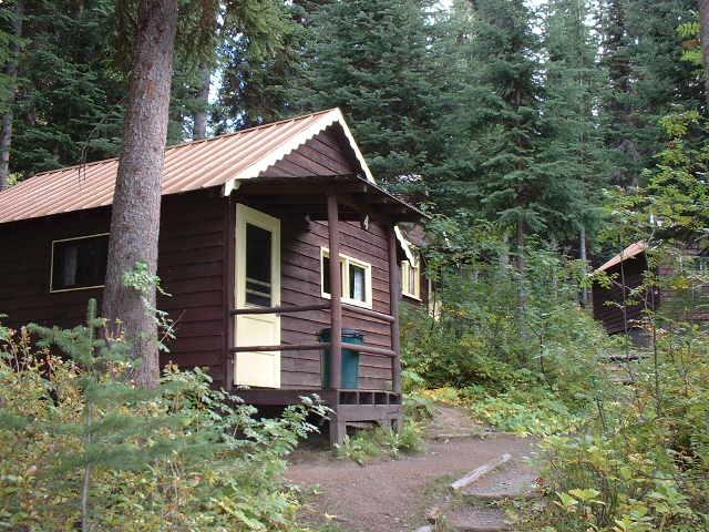 https://0901.nccdn.net/4_2/000/000/083/84e/cabin-4-exterior--1--640x480.jpg