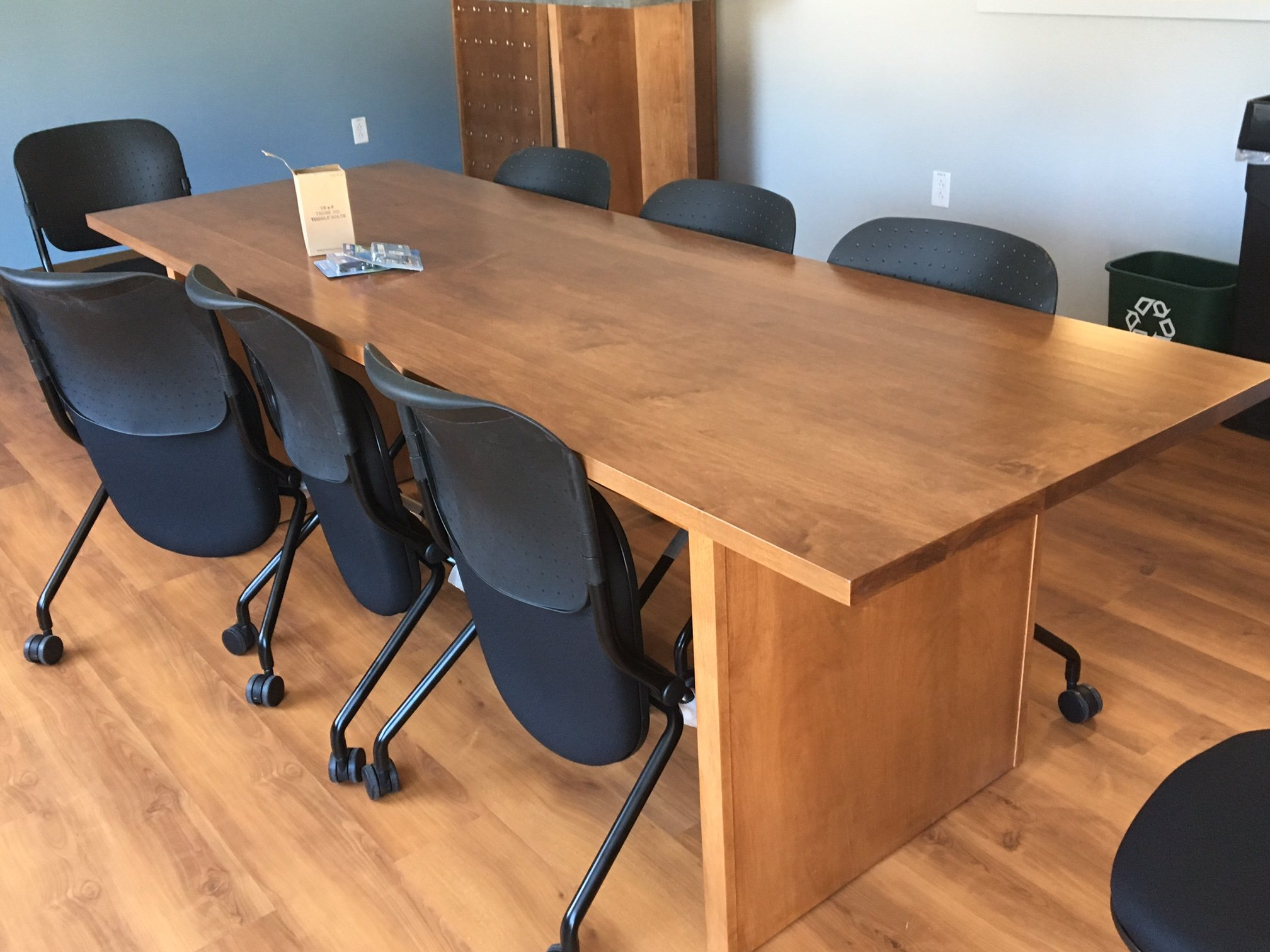 Long Executive Conference Table w/ Navigator Resting Chairs