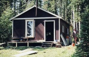 https://0901.nccdn.net/4_2/000/000/083/84e/whitefish_lake_cabin.jpg