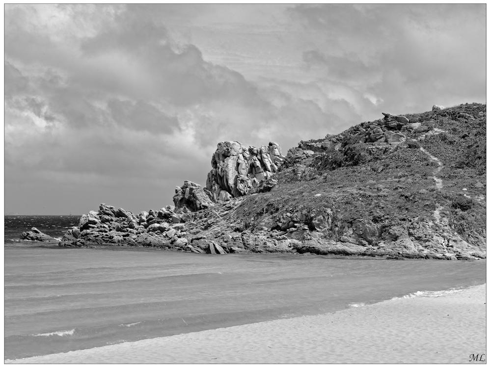 """""""Mention"""" lors du  100e Salon de la  SPAQ  La plage de Santa  Teresa en Sardaigne  Avril 2010"""
