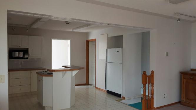 https://0901.nccdn.net/4_2/000/000/087/307/Kitchen-showing-Basement-access-666x375.jpg