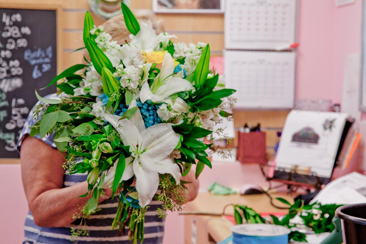 https://0901.nccdn.net/4_2/000/000/089/916/wedding_flowers_port_alberni_20161115k.jpg