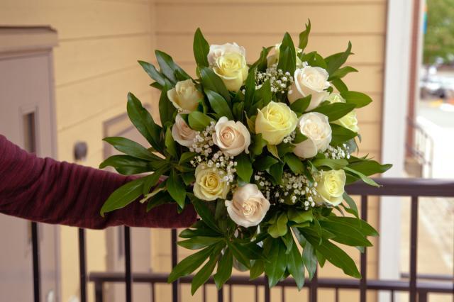 https://0901.nccdn.net/4_2/000/000/089/e29/port-alberni-wedding-bouquet1.jpg