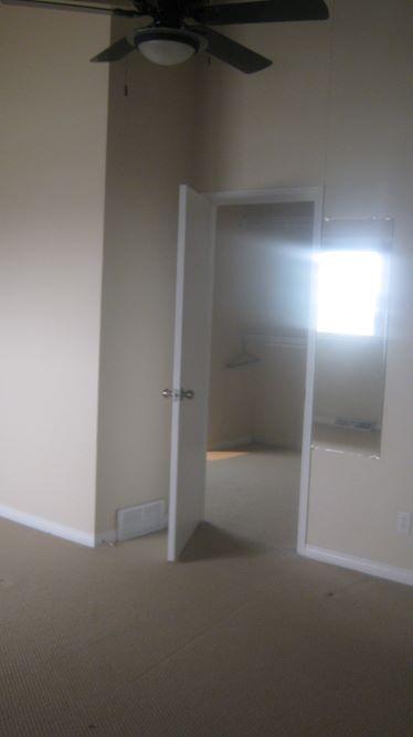 https://0901.nccdn.net/4_2/000/000/08a/029/Master-looking-into-Walk-in-Closet-374x667.jpg
